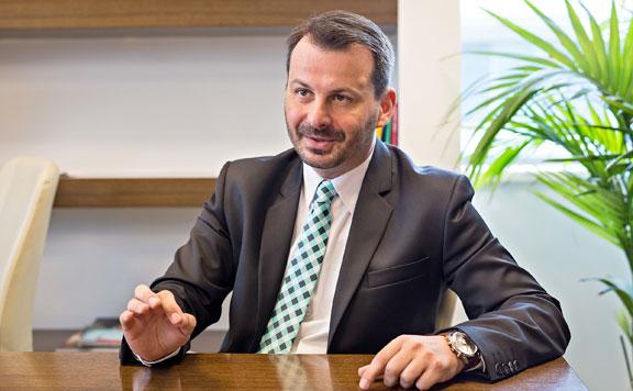 Bejött a magyar államnak az elektronikus útdíj