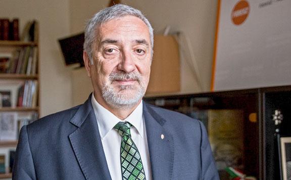Halász János: Az EP bevándorláspárti többsége újabb migrációt támogató tervet fogadott el