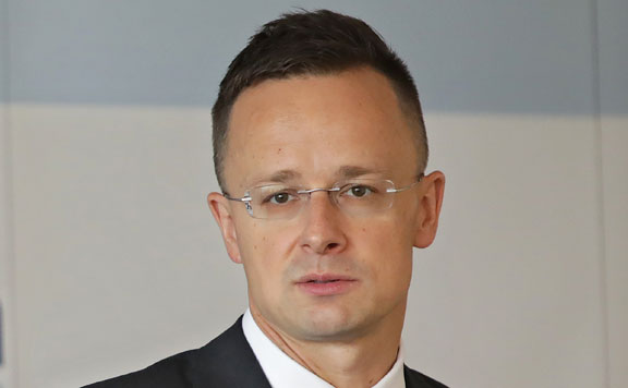 Szijjártó Péter: A migrációs kockázatot súlyosbítja az EB