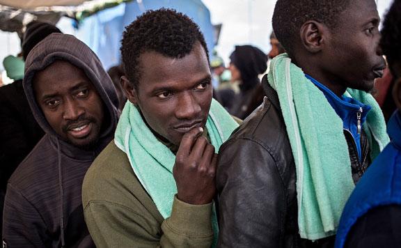 Huszonhét migránst találtak egy konténerben Kelebiánál