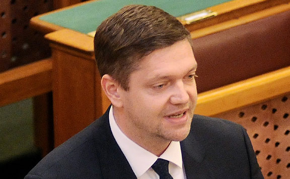 Nyilvántartásba vették az MSZP-Párbeszéd, az LMP és a DK EP-választási listáját