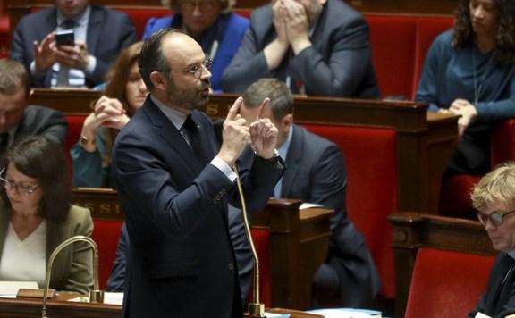 Franciaországban sokan elégedetlenek a kormány járványkezelésével