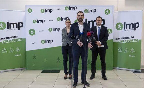 Lemondott az LMP elnöksége