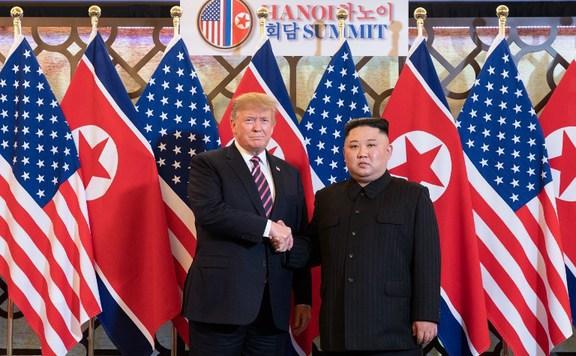 Trump a dél-koreai elnökkel üzen Kim Dzsong Unnak